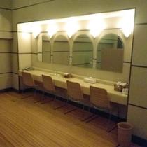 *本館にある大浴場(ドレッサー)