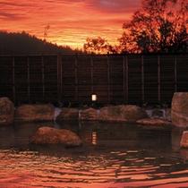 夕刻時の温泉