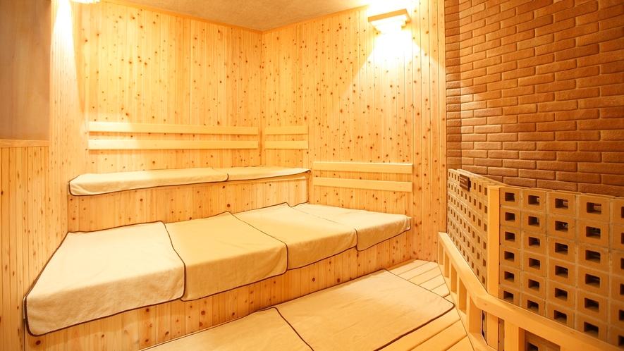 男性大浴場/サウナ(温度:約95℃・テレビ付・定員人数7名)