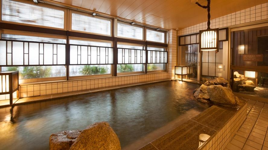 女性大浴場/内湯(温度:40~41℃)