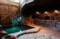 洞窟風呂 一例