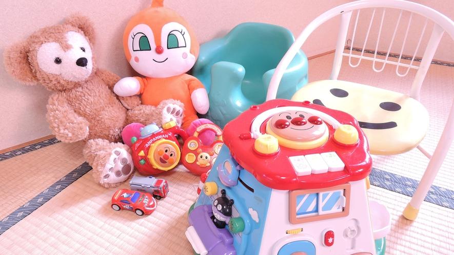 *お子様用おもちゃやイスの貸し出しあります♪