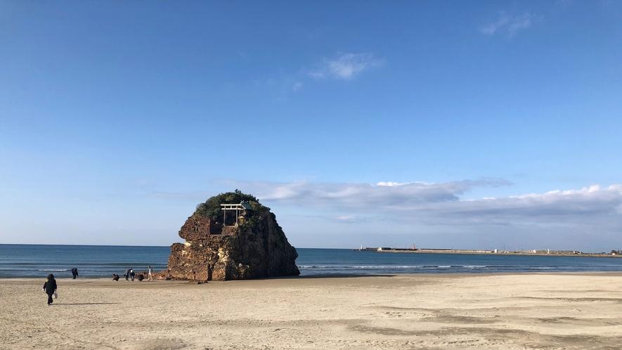 *【稲佐の浜】当館から車で約30分。素鵞社に供える砂はここから持っていきます。
