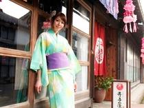 食事処町屋カフェ【寺子屋】は、街道隔てて向かいです。