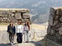 竹田城跡は400年前の穴太積みの石垣が残る日本屈指の山城遺跡です。