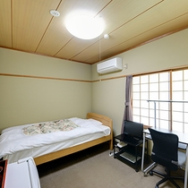 *【シングルルーム】一人旅におすすめ!ゆったりとおくつろぎいただけるフローリングタイプのお部屋です