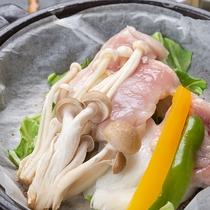 *【お料理一例/陶板焼】三川地区近隣の山の幸をお楽しみください