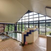 *【滝の湯(3階)】全身浴、部分浴、泡浴、かぶり湯、露天風呂、ミストサウナがお楽しみいただけます。
