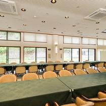 *【食事処/グリーネスト】イベントや会議でのご利用もOK。有線LANケーブルを設置しております