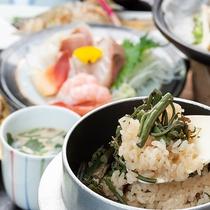 *【お料理一例/山菜の釜飯】季節の食材を使用した釜飯を召し上がりください