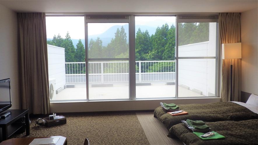 *【客室】2F&3Fの客室は広々としたバルコニー付きです