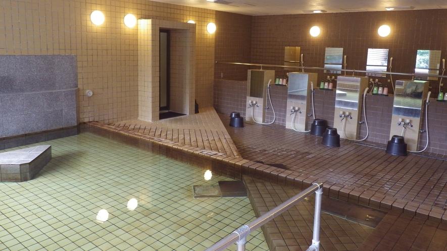 *【大浴場】露天風呂、内風呂ともに源泉かけ流しでお楽しみいただけます