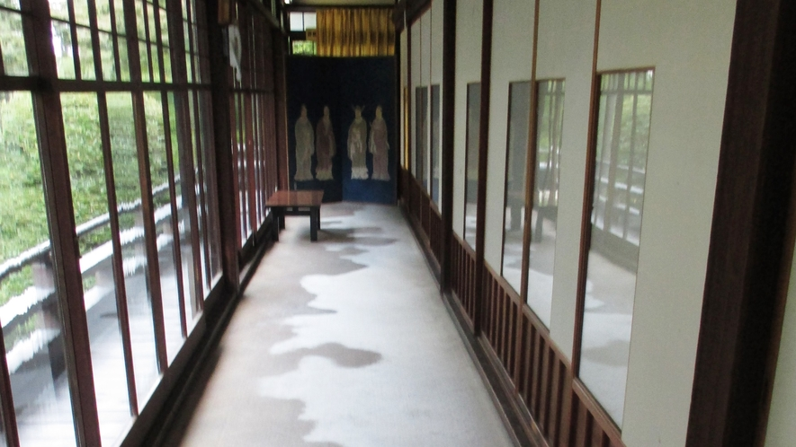 *【施設】雲海をイメージした廊下