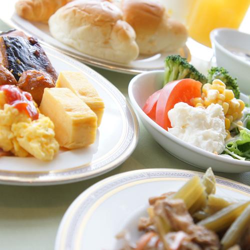 大好評朝食バイキング♪は朝6時OPEN☆★