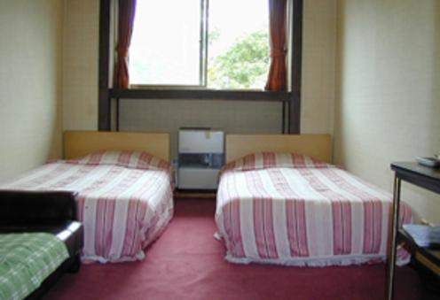 【203号室:洗面所あり/トイレ別】洋室7畳 素泊まり♪