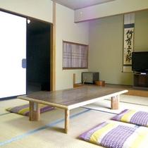 *和室10畳一例/畳が心地よい空間。お二人〜ご家族のご旅行に。