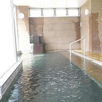 *女性大浴場/3階展望風呂から美しい自然や、鹿教湯の温泉街を一望
