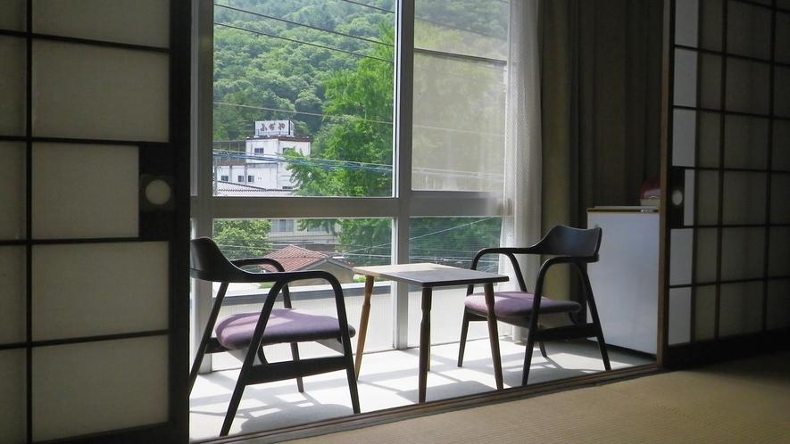 *和室10畳一例/なつかしい景色を見ながら心和む時を。