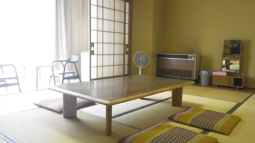 *和室10畳一例/少し広めの10畳タイプ。ご家族・グループで。