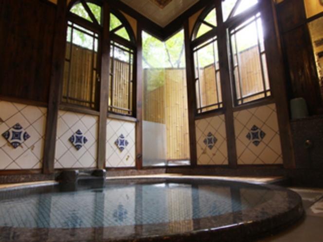 源泉かけ流しの温泉が楽しめる貸切風呂