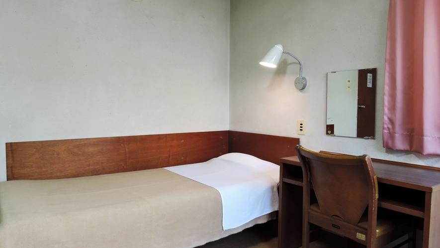 *【宿泊棟のお部屋】それぞれのお部屋はツインルームとなっています