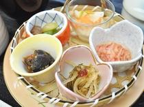 【ご夕食一例】旬菜五種盛り合わせ