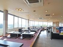 【別棟物産館2F】子上がりとテーブル席があるジンギスカンコーナー