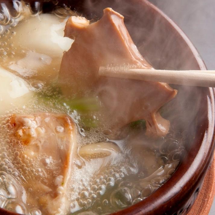 鮑と森林鶏のスープ仕立て