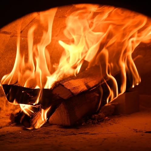 400℃以上の高温になる薪窯