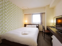 セミダブルルーム(13平米/ベッド幅120×195cm)