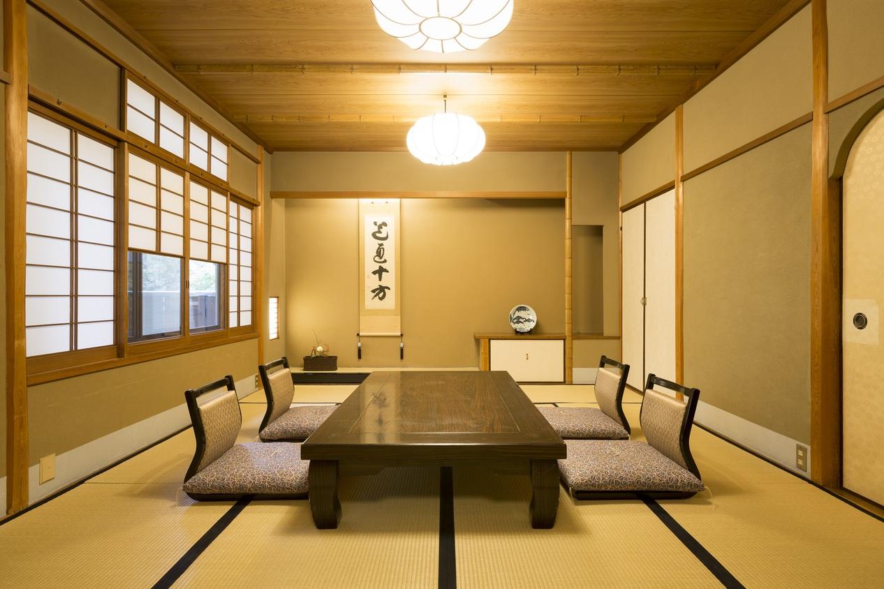 和室10畳(約38m2)のお部屋の一例