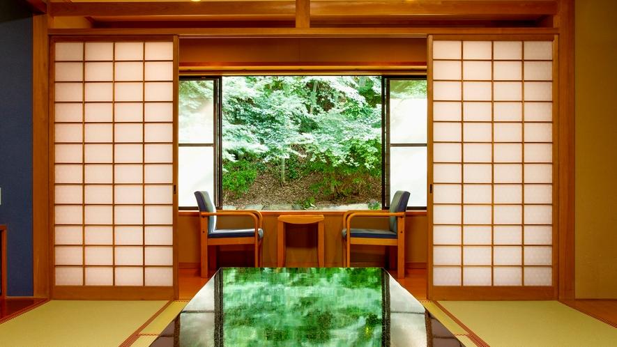 *和室10畳(客室一例)/大きな窓からは緑を一望。安らぎを覚える特別な休日をお過ごし下さい。