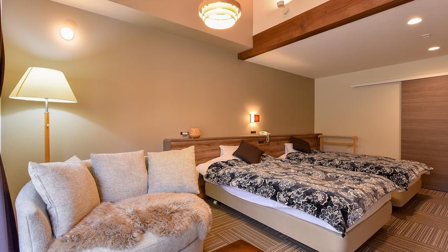*リニューアルツイン(客室一例):ゆったりとした造りの客室。