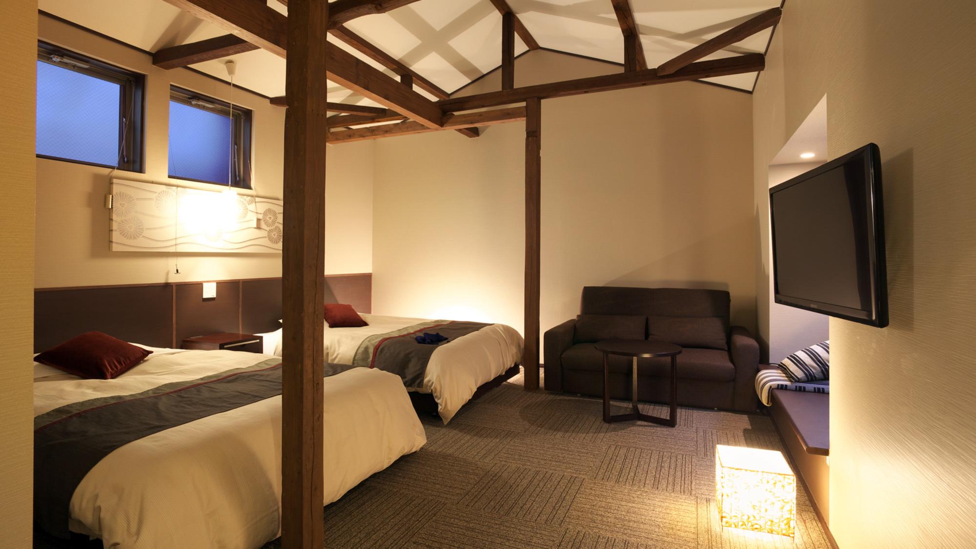 【湯畑ビュー客室】お部屋から草津温泉の名所湯畑を望むツインルーム。室内でのインターネット可。