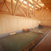 【御座之湯】湯畑源泉と万代鉱源泉を楽しめる湯船「石之湯」