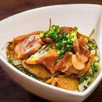 【足湯cafe】メニュー例/上州名物の豚肉を使った豚丼