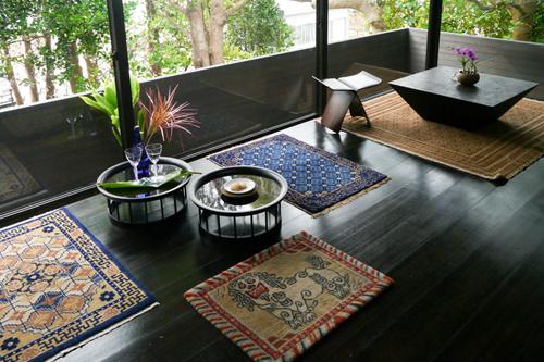 東アジア諸国の工芸品で設えたインテリア