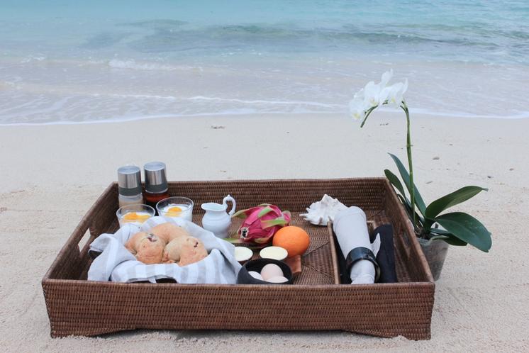 波音とともに 旅先の朝食をお楽しみください