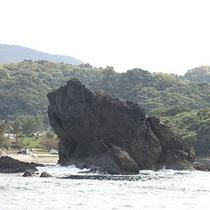 「 香住海岸のジオパーク 」の一例(かえる島)