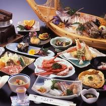 「 季節の会席料理 」の一例 ( 舟盛は別注です )