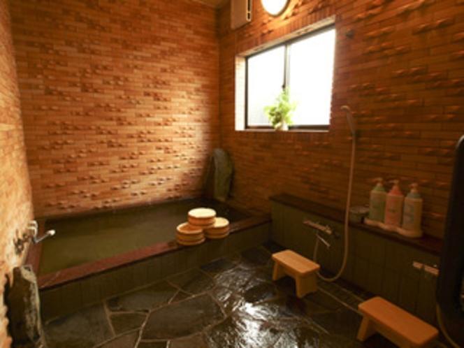 民宿仕様の内湯温泉は「 貸切り 」でご利用いただいております