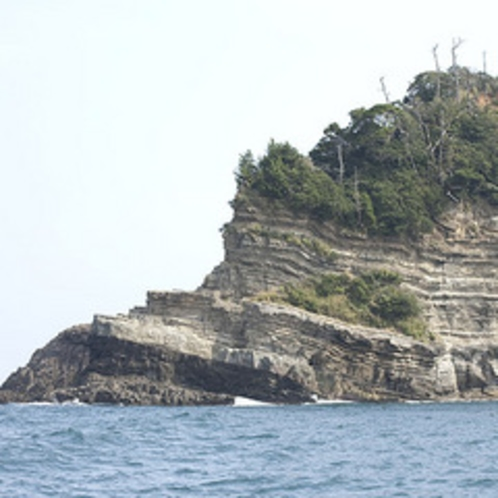 「 香住海岸のジオパーク 」の一例(層状岩)