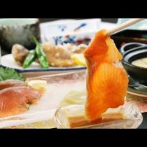 プレミアムヤシオマスのお刺身、特製酢味噌と相性バツグン