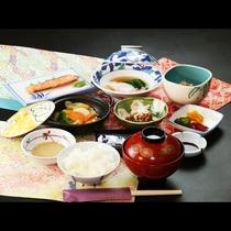 【朝食】温野菜や温玉など朝からボリューム満点!だけどヘルシー