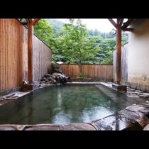 当館イチオシ!6つのお風呂のうちの1つ貸切露天風呂
