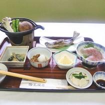 *【烏帽子コース(一例)】山菜・川魚が中心のお料理。