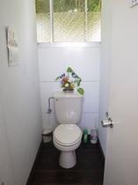 洋式トイレ(2室、共同)