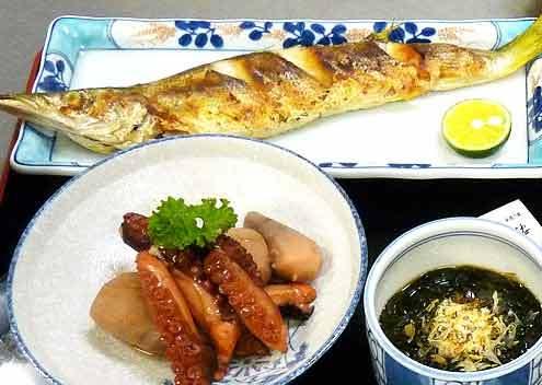 カマスの塩焼きと里芋・タコの煮物