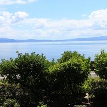 【玄関からの景色】当館からの眺め(ある夏の日)