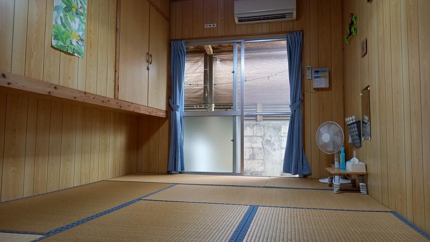 三人部屋(奥側)